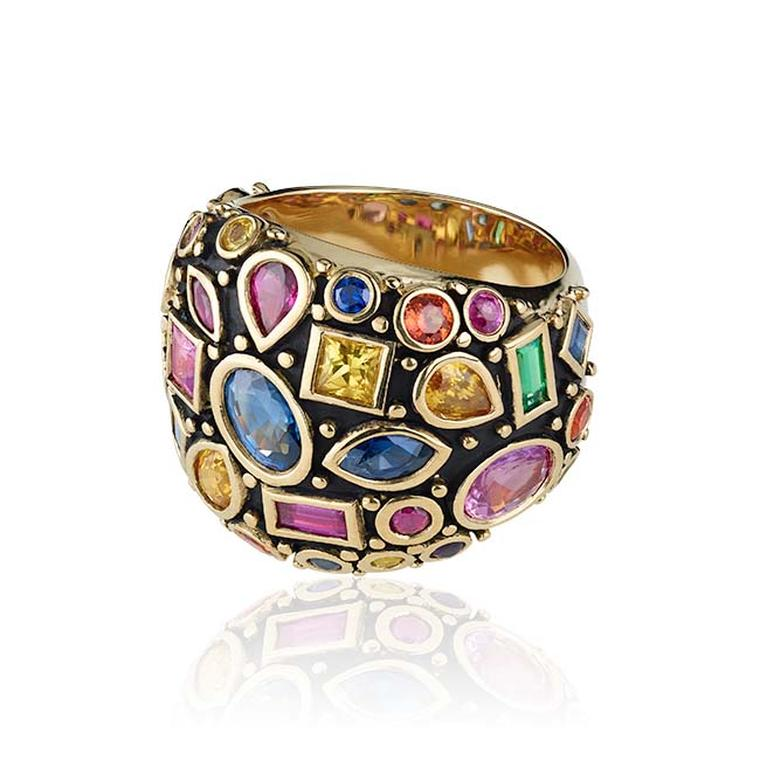 Misahara Ari ring, bezel set with a mix of colored sapphires in yellow gold.