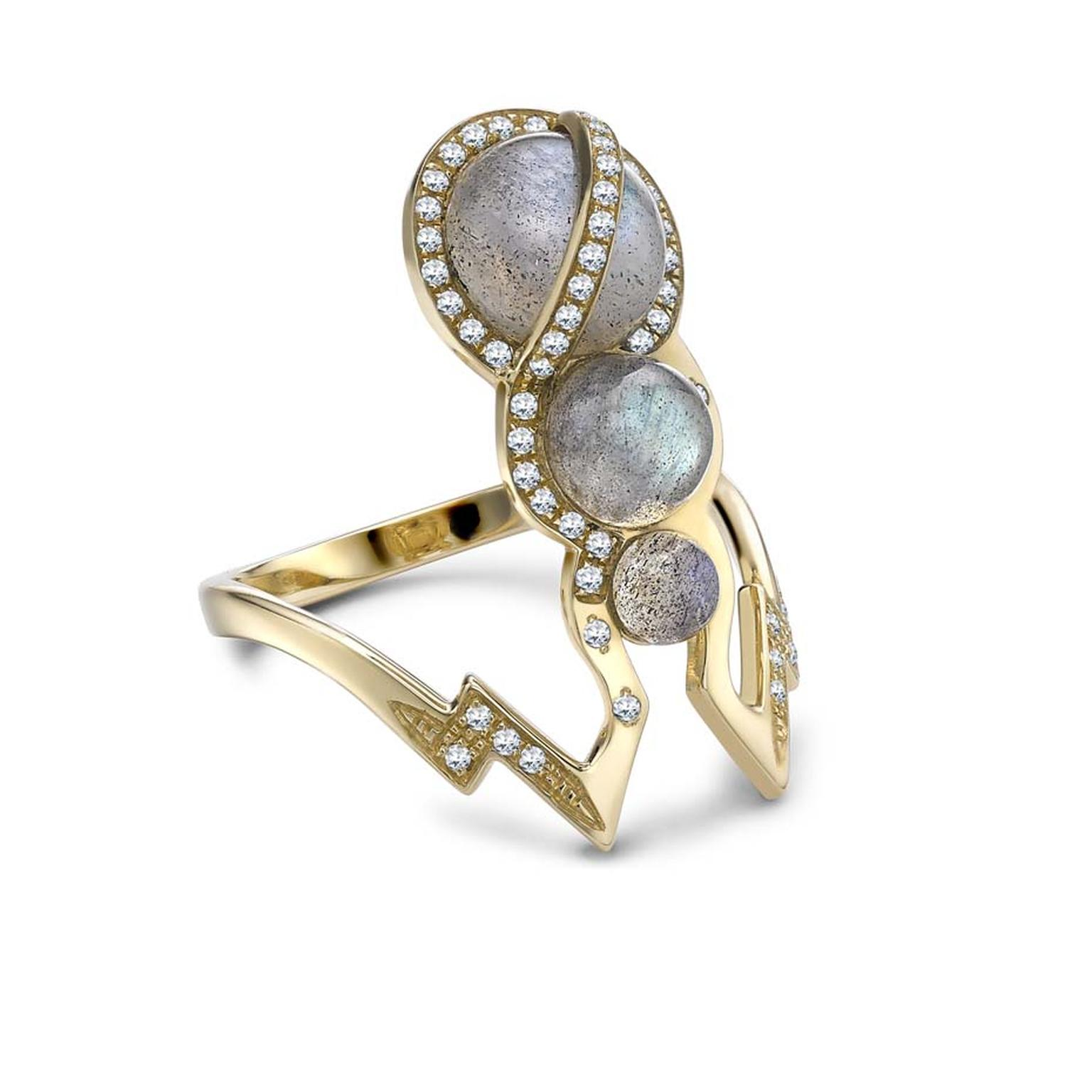 Venyx Theiya Obscura gold ring set with three labradorites and pavé diamonds.