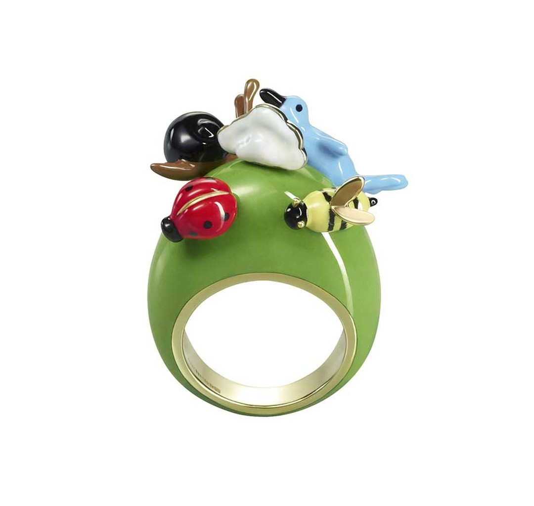Solange uses colourful enamel to recreate garden creatures in miniature on her Supernature ring. With an estimate of £5,600-£7,000, you can bid on it at the Solange Azagury-Partridge Paddle8 curated auction, which runs from 5-19 May. To bid now, follow th