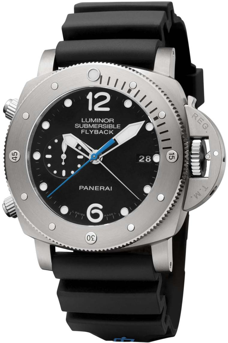 Panerai Luminor Submersible 1950 model with a flyback chronograph is equipped with an in-house mechanical automatic movement to power the hours, minutes, small seconds, date, calculation of immersion time, flyback chronograph and seconds reset. The 47mm b