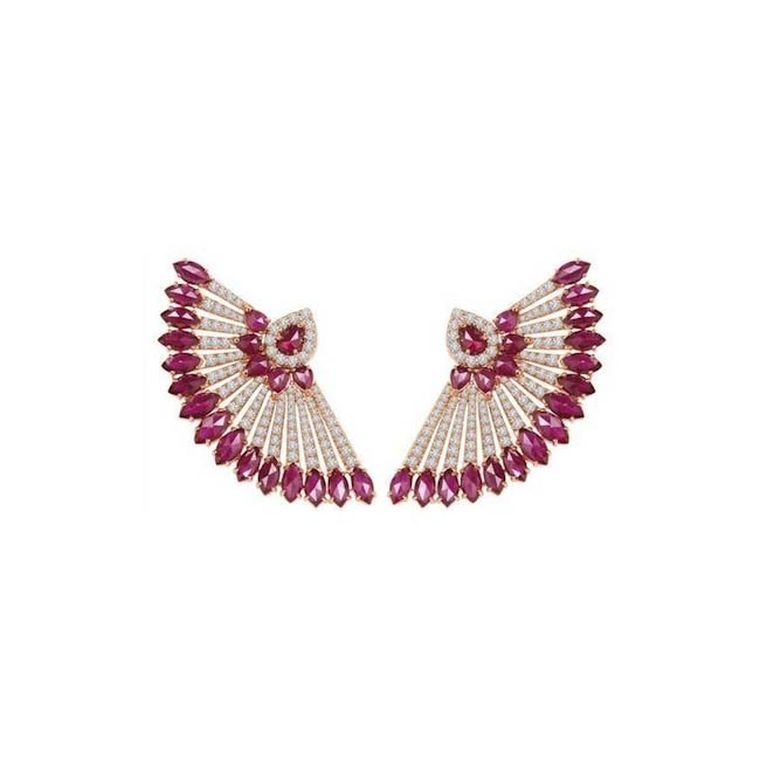 The Sutra fan earrings with marquise and pear-shaped rubies and diamonds worn by Jennifer Lopez at the 2015 Met Gala in New York.