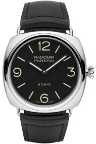 The new Panerai Radiomir 8 Days Acciaio watch bears the genetic traits of the first Radiomir professional military models released in the late 1930s. The novelty here is the incorporation of Panerai's in-house P.5000 movement, capable of keeping the watch