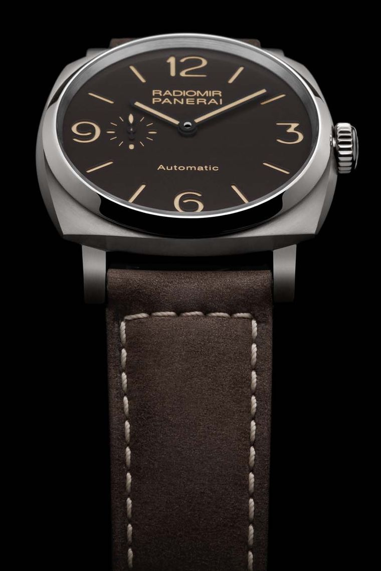 The Panerai Radiomir 1940 3 Days Automatic Titanio watch for men is re-edited in a lightweight 45mm titanium case. Its virile dimensions and Italian flair for pure, unadulterated design are as fresh as ever.