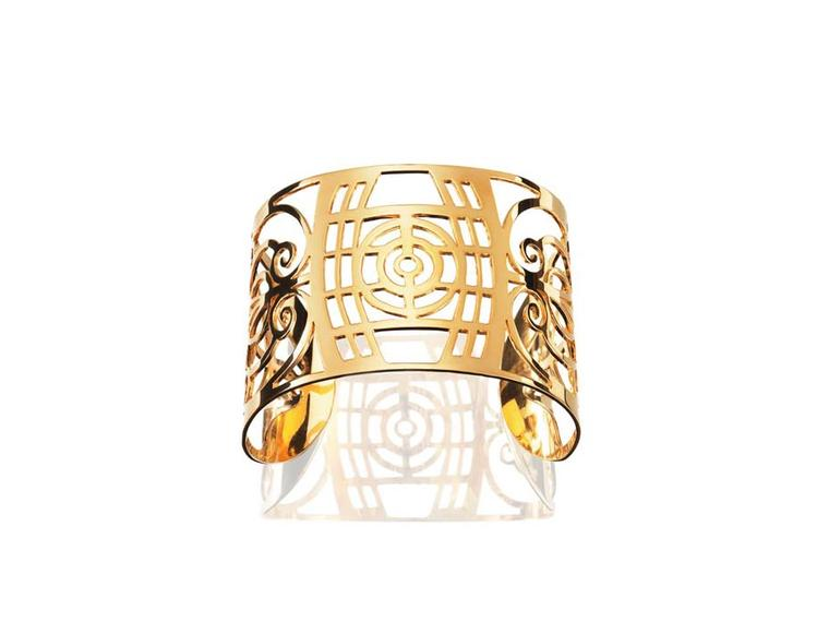 Efva Attling Art Deco-inspired Barcelona cuff in yellow gold.