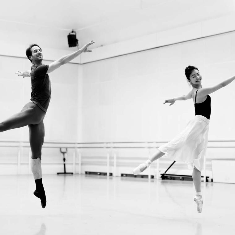 Nehemiah Kish and Yuhui Choe in rehearsal for Alice's Adventures in Wonderland. Image: Charlie Dailey