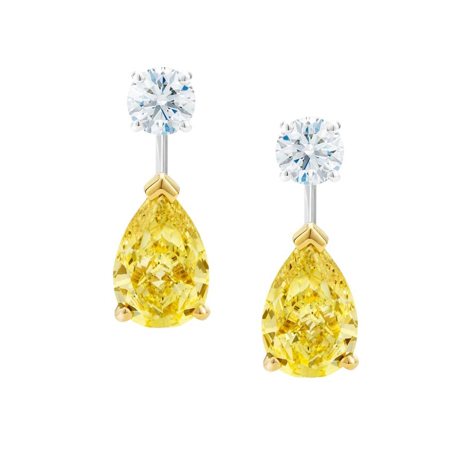 The pear-cut yellow diamonds in these new De Beers Drops of Light earrings are detachable, which means that the white round brilliant diamonds can also be worn as classic solitaire ear studs.