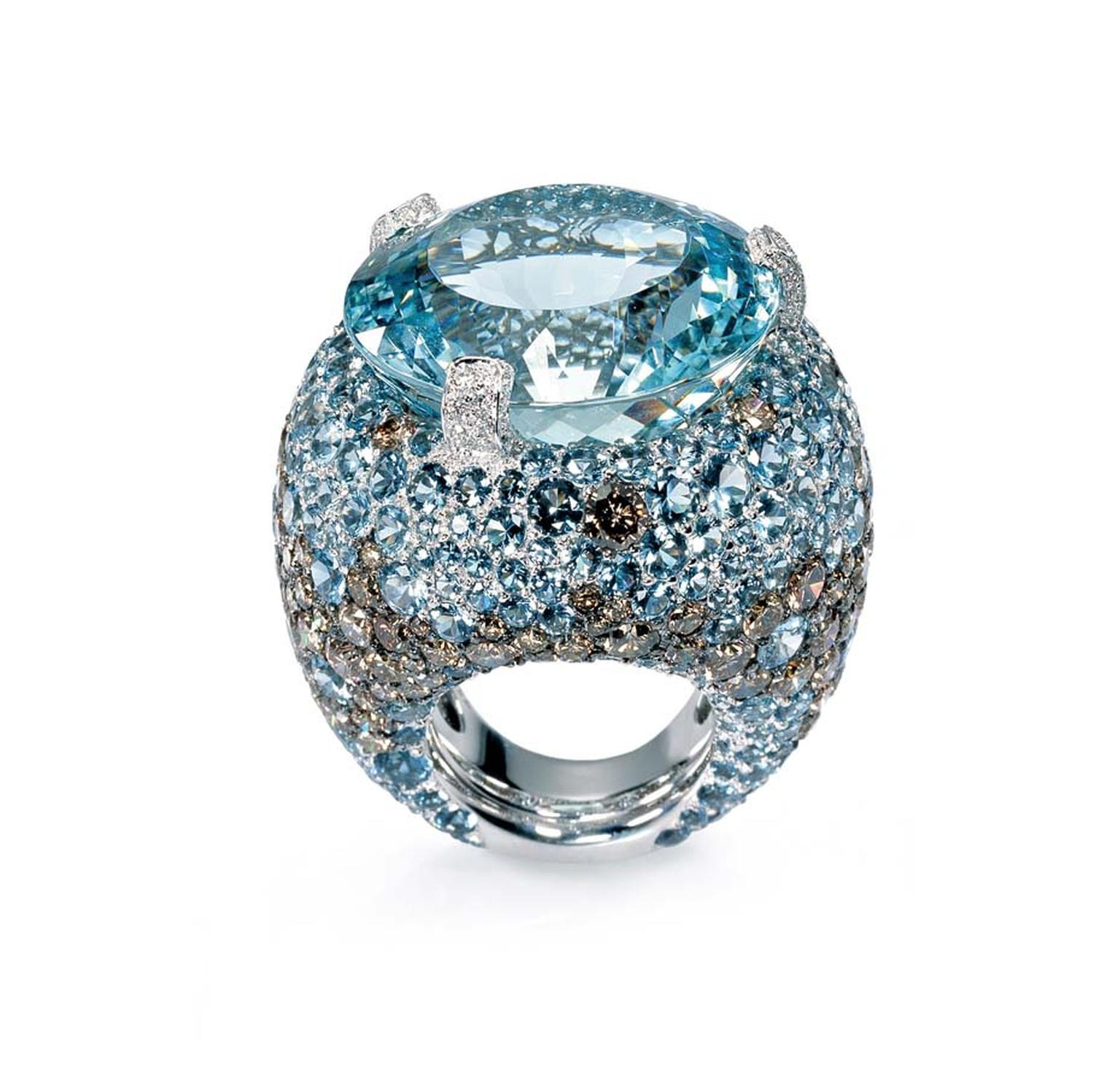 de GRISOGONO aquamarine ring with diamonds from the Melody of Colours collection, worn by Michelle Rodriguez at the Cannes Film Festival.