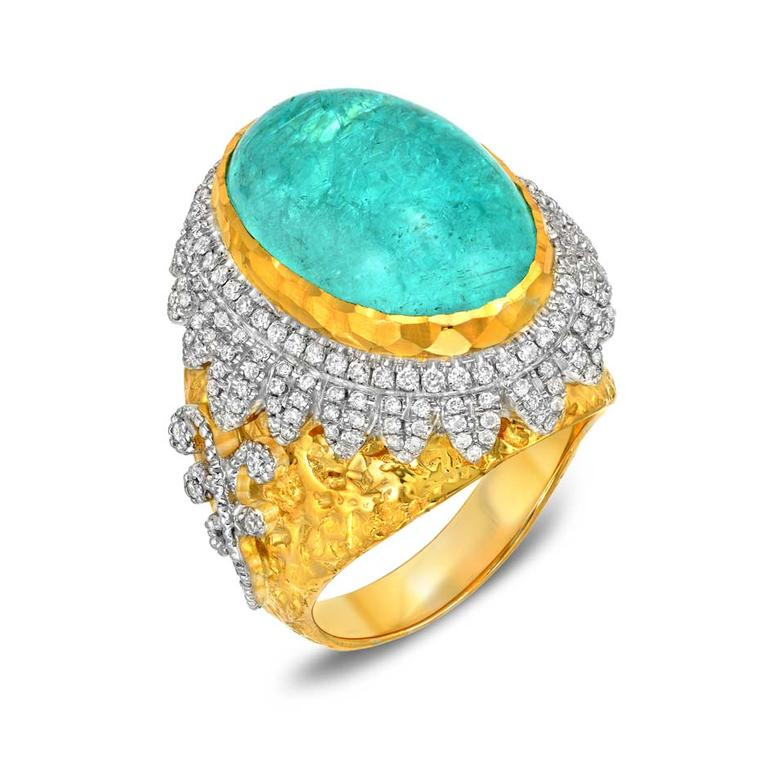 New trend: a wave of blue gemstones at the Couture Show Las Vegas evokes the colours of the sea