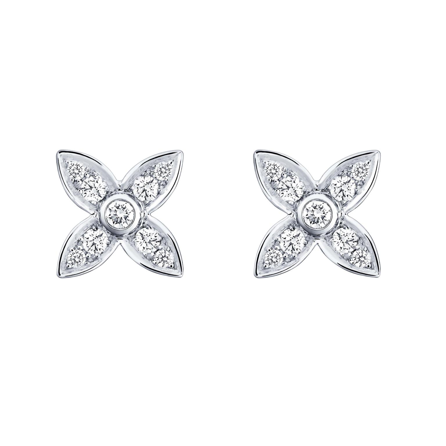These Louis Vuitton Monogram Star earrings in white gold and diamonds are resolutely contemporary.