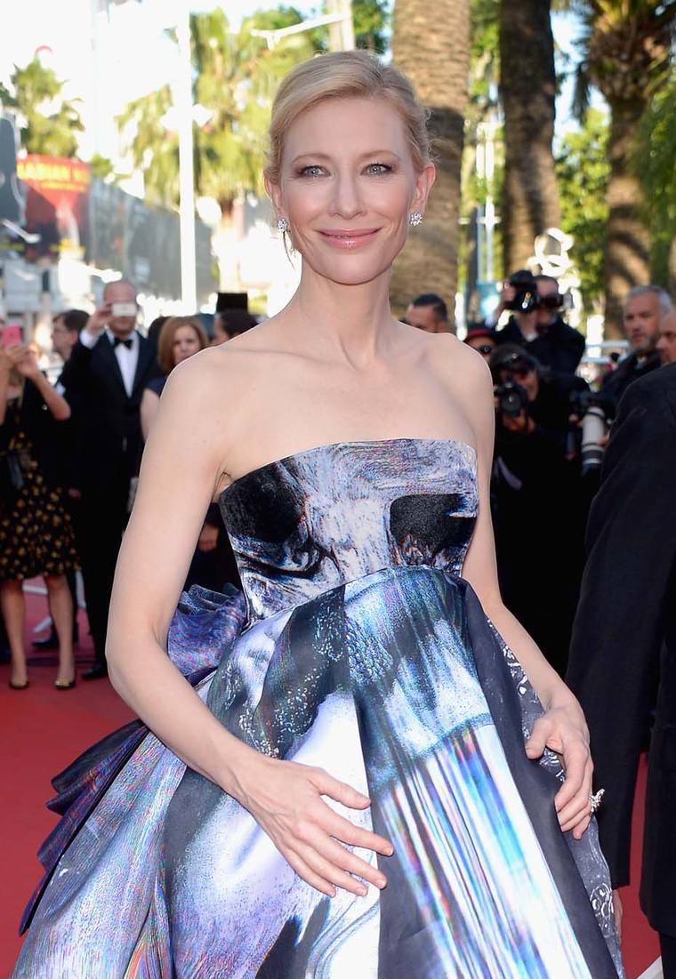 Cate Blanchett in Van Cleef & Arpels ring and diamond earrings
