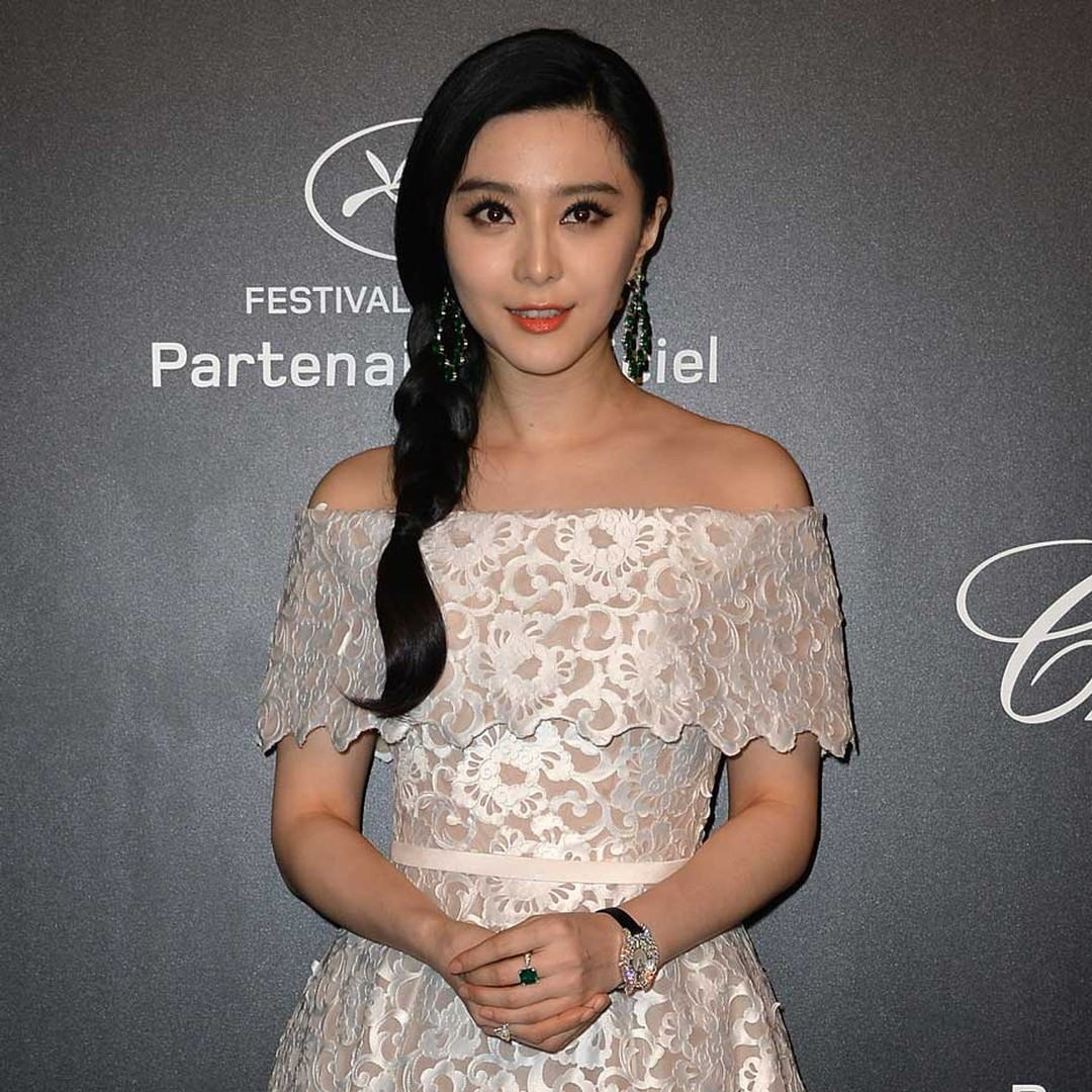 Actress Fan Bingbing, who accessorised her pretty dress with Chopard jewels and a high jewellery watch, was one of 700 guests in attendance at Chopard's GOLD party.