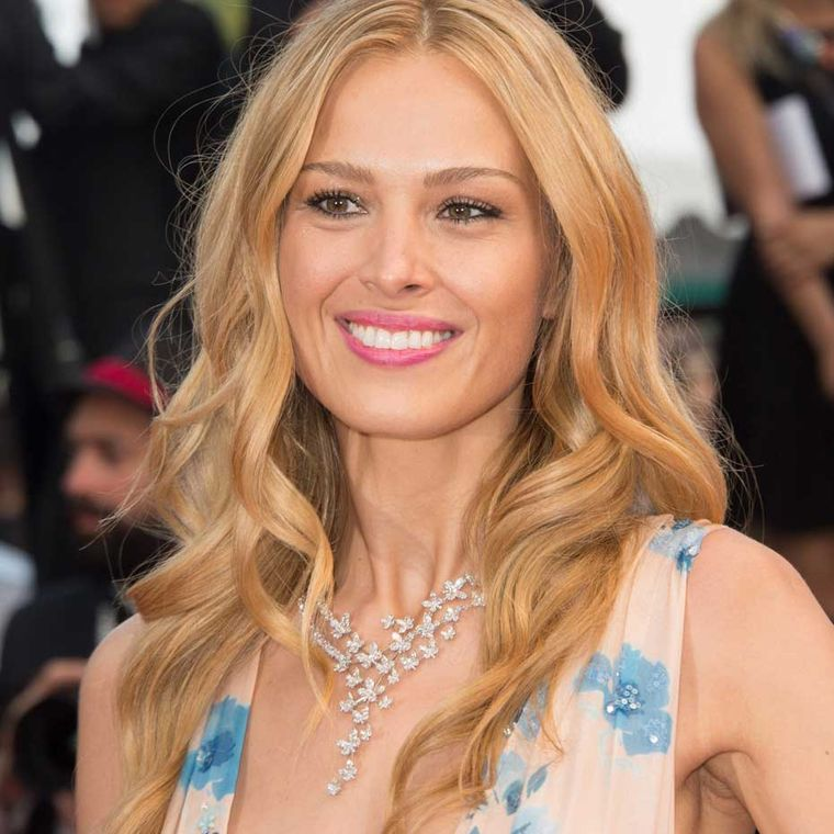 Czech model Petra Nemcova looked stunning in Chopard jewellery at the premiere of American thriller Sicario. The Chopard ambassadress wore a sparkling diamond butterfly necklace.