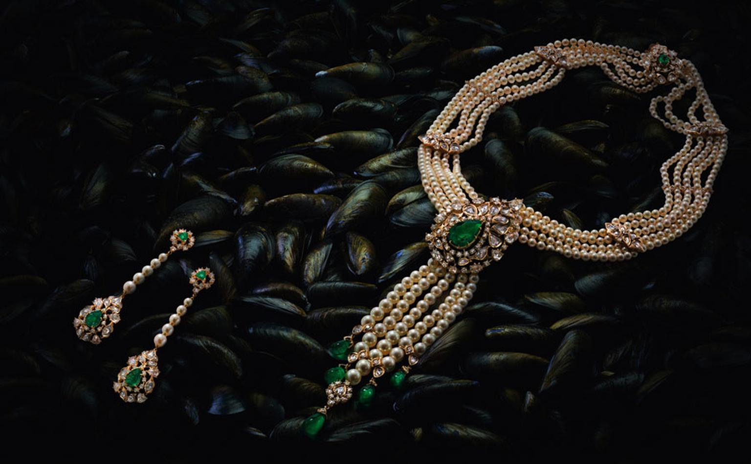 Ganjam-Earrings-and-Necklace--Nizam-Collection-Ganjam