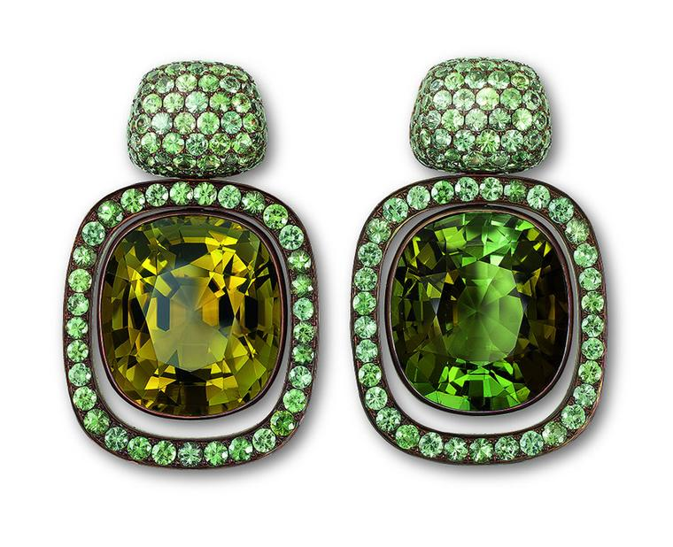 Hemmerle-earrings-copper-white-gold-olive-green-and-green-tourmalines-green-sapphires-0318