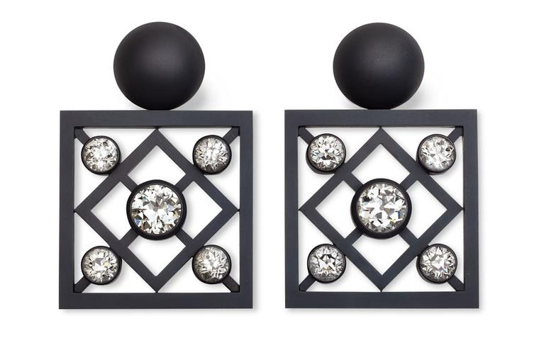 Hemmerle-earrings-iron-white--gold-2-diamonds--8-diamonds-0541