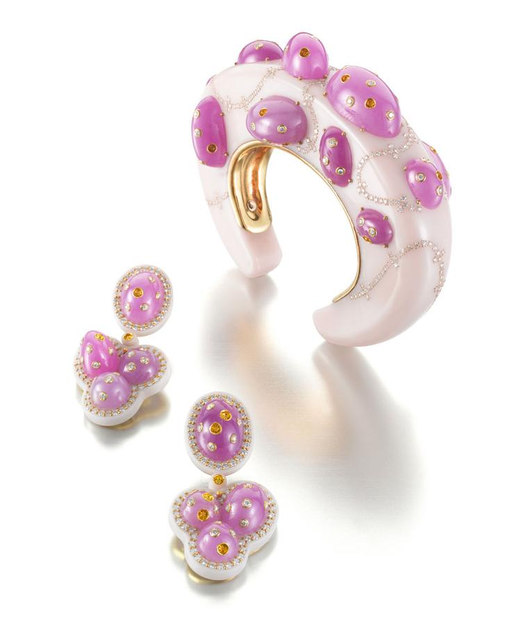 Siegelson-Artistic-Pink-Bakelite-Ruby-and-Diamond-Jellybean-Suite-of-Bracelet-and-Earrings-by-Daniel-Brush