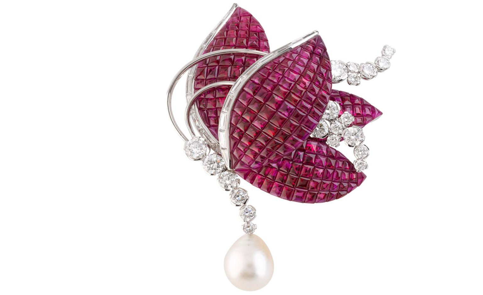 Van Cleef & Arpels Amarylis mystery-set rub, diamond and pearl butterfly brooch