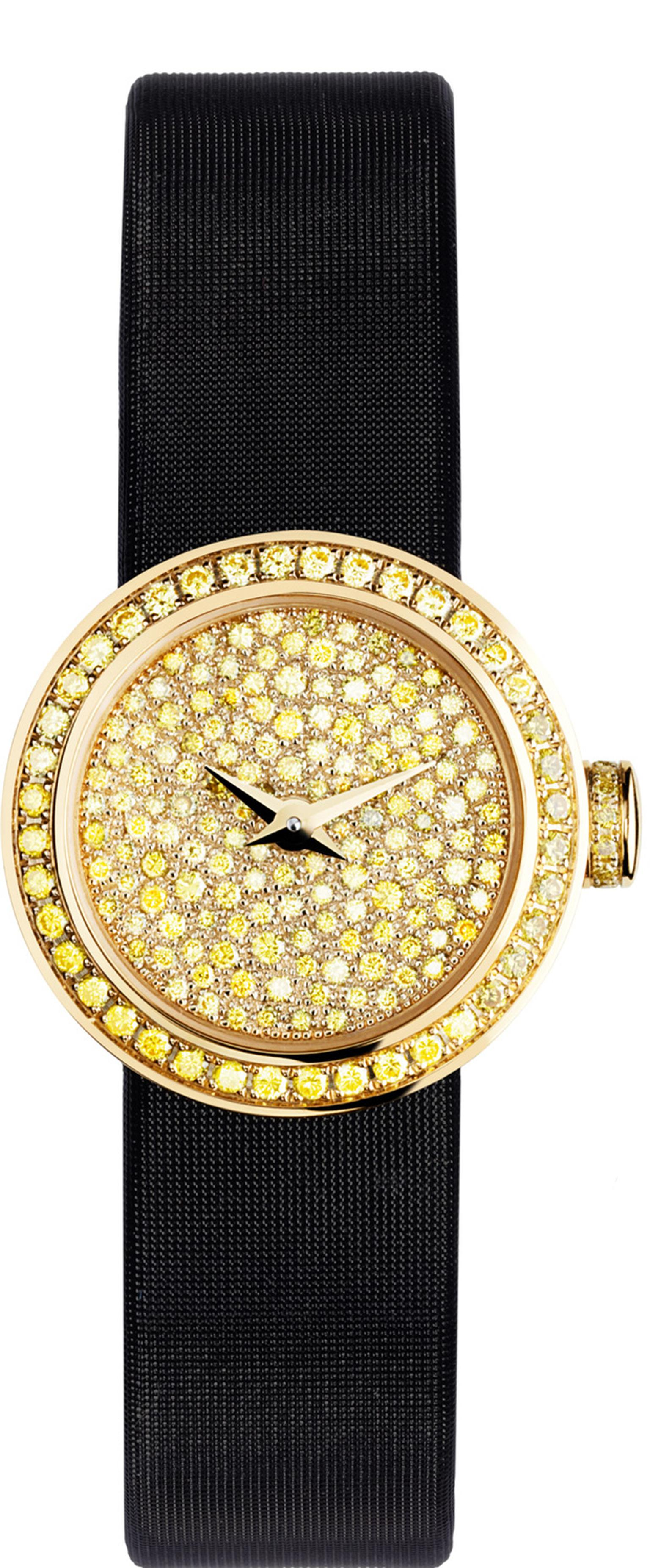 La Mini D de Dior watch in yellow diamonds