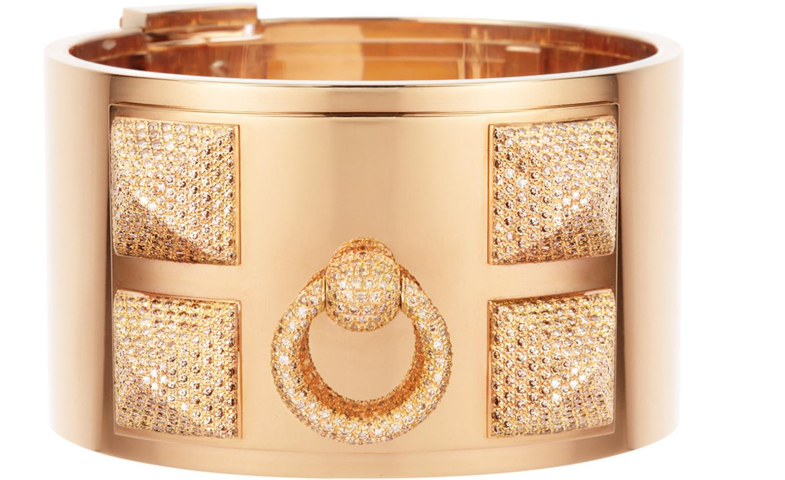 Hermes cuff in gold with diamonds