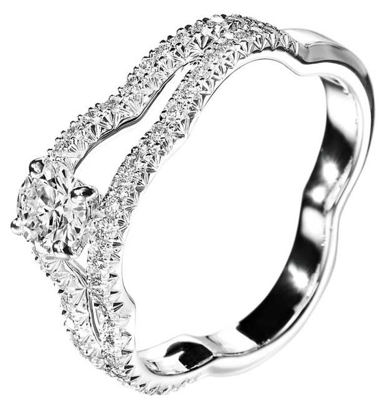 Chanel Camelia diamond and white gold Ajoure ring