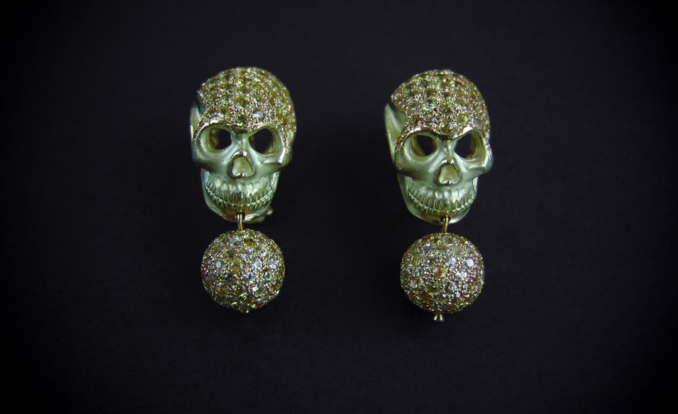 Delfina Deletrez Skull earrings in gold with yellow sapphires £9,660