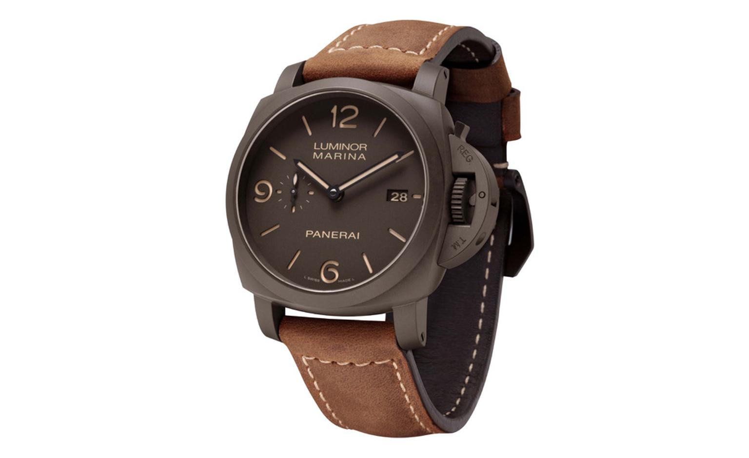 Panerai Luminor Marina 1950 3 Days with the in-house manufactured P.9000 movement in a case made of coloured Panerai Composite ®, a new synthetic ceramic.