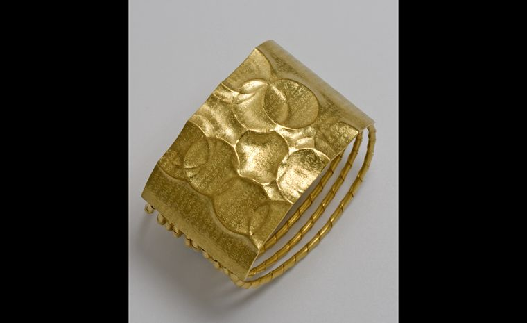 Jacqueline Mina bracelet from 2010 in 18 carat gold and rows of 'striptwist'  Photo: Neil Mason