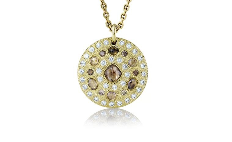 De Beers Talisman Medal in yellow gold. £14,500