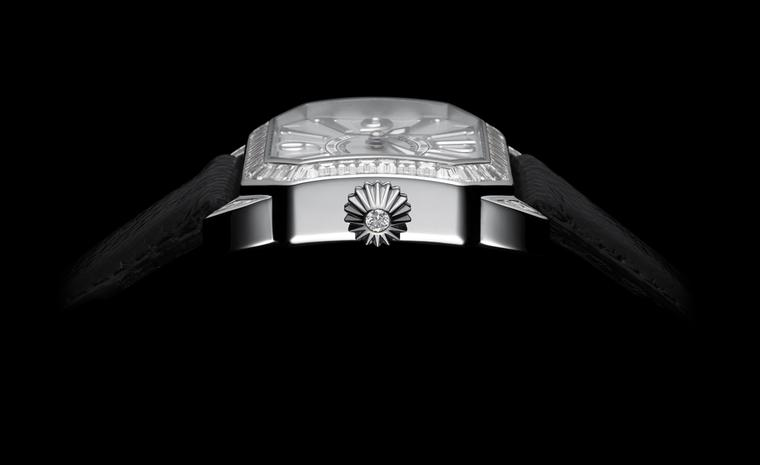 Side shot of the Backes & Strauss Berkeley set with 53 baguette diamonds (4.57 carats) in white gold. Price: £52,500.00