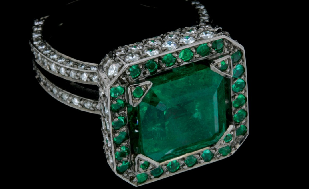 Solange Azagury-Partridge Emerald Cup ring as worn by Thandie Newton at BAFTAs 2011
