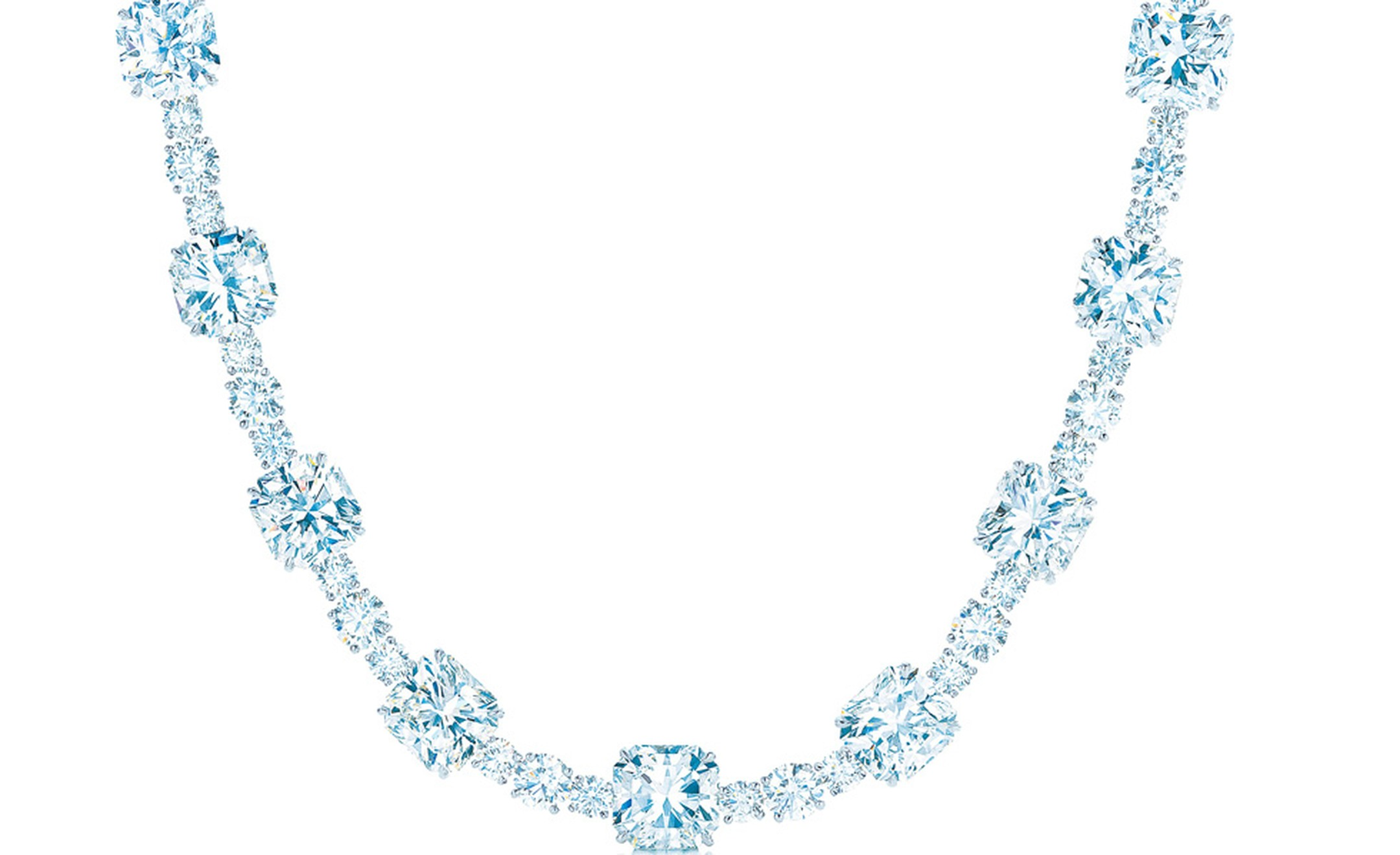 The Tiffany Lucida Star diamond necklace valued at US$ 10,000,000 as worn by Anne Hathaway at the Oscars 2011. The platinum necklace is set with 94 carats of diamonds.