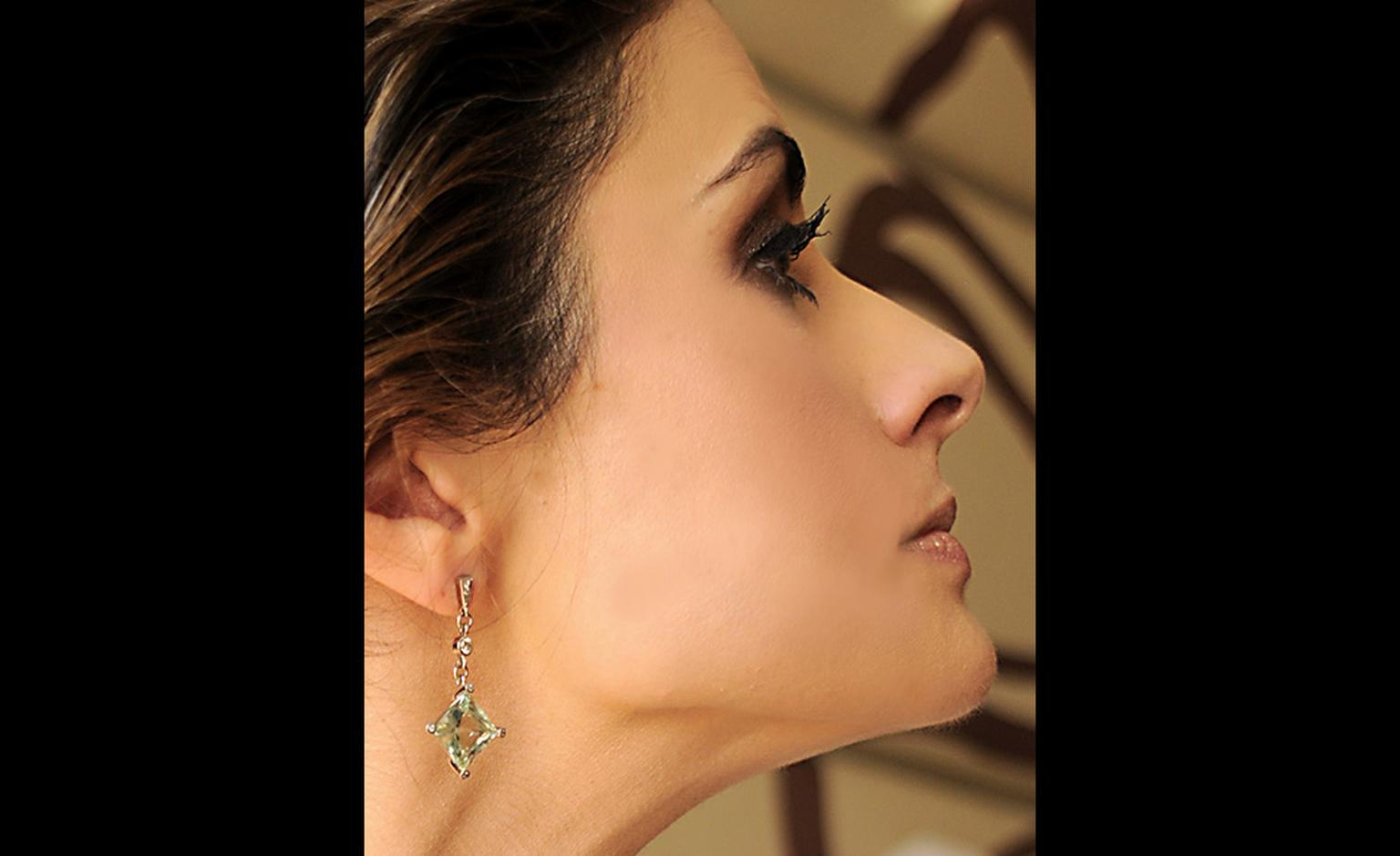 The Fairtrade gold earrings worn by Livia Firth to the Oscars 2011