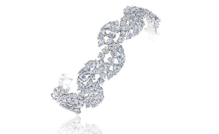 Harry Winston Classic Vine Bracelet worn by Sophia Vergara