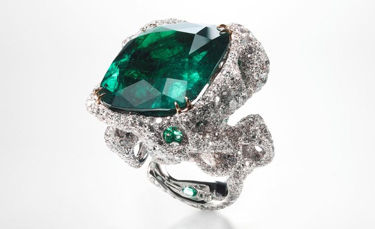 CINDY CHAO, The Art Jewel, Black Label Masterpiece Emerald City Ring with central emerald (44cts) highlighted by diamonds set in 18kt white gold. From ?1,080,000