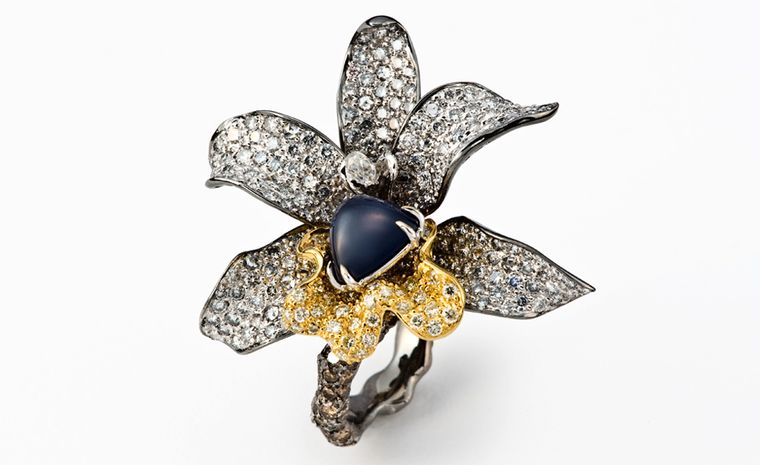 CINDY CHAO, The Art Jewel, White Label Collection Four Seasons Sapphire Ring with cabochon sapphire center, highlighted by colorless and brown diamonds set in blackened gold. From ?17,200