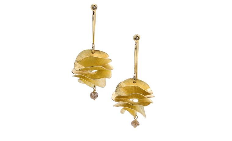 H STERN BALLET DU CORPO, Benquele small earrings in yellow gold and cognac diamond. £870