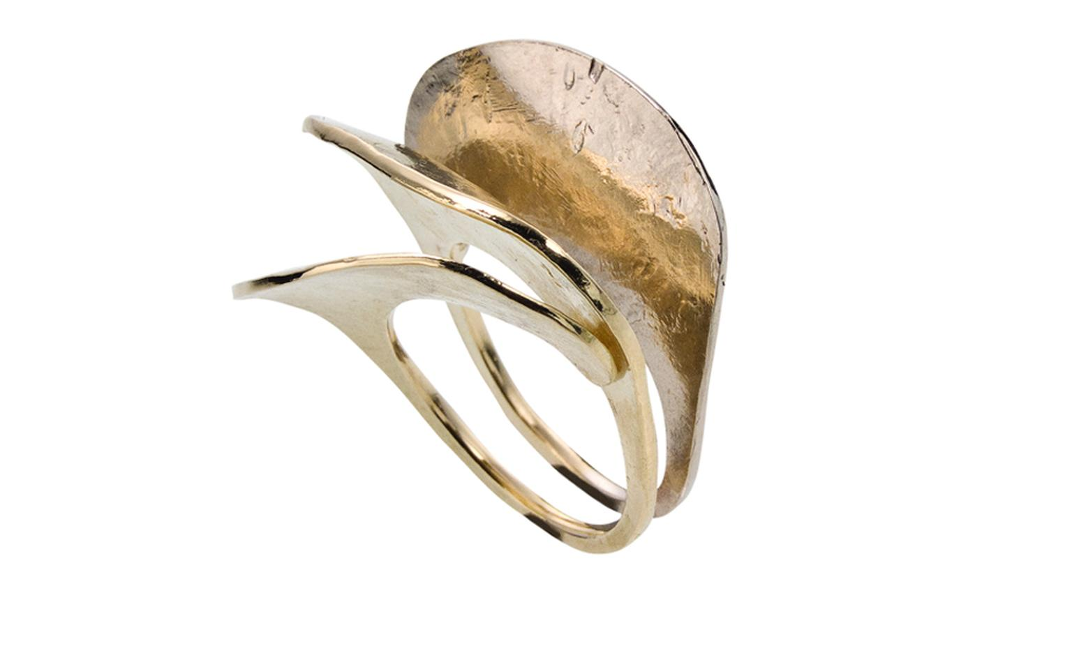 H STERN BALLET DU CORPO, Lecouna small ring, in yellow and Noble Gold. £1,400