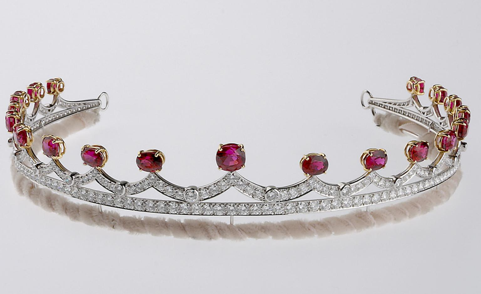 Stephen Webster Tiara in white gold with diamonds and spinels with wave motifs