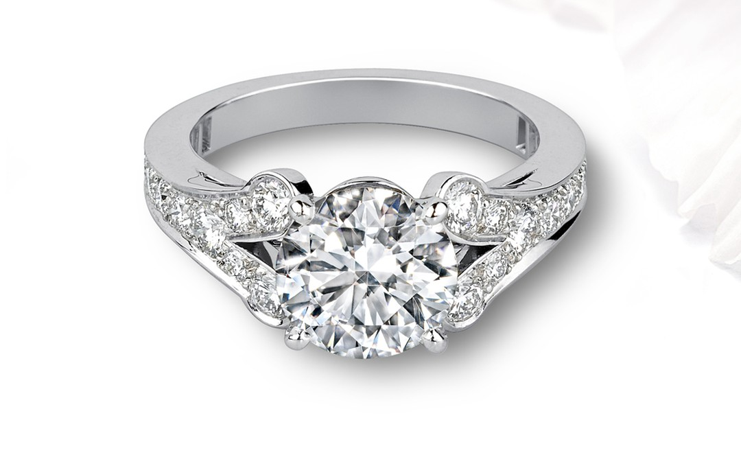 CARTIER, Engagement ring in White Gold and Diamond. POA