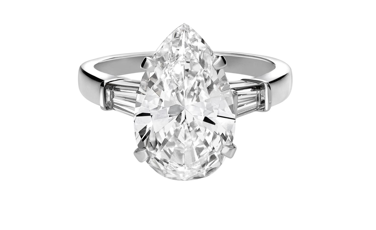BULGARI, Ring in platinum 1 pear shaped diamond, 2 tapered baguette diamonds. POA