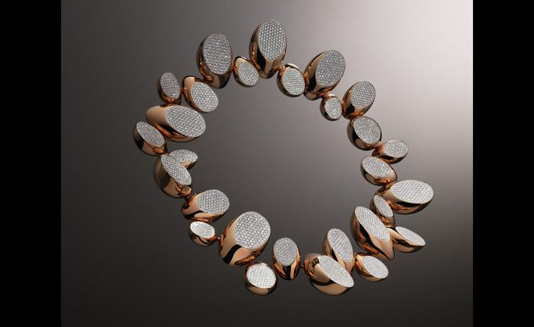 Hermès Centaure necklace in rose gold with diamonds.