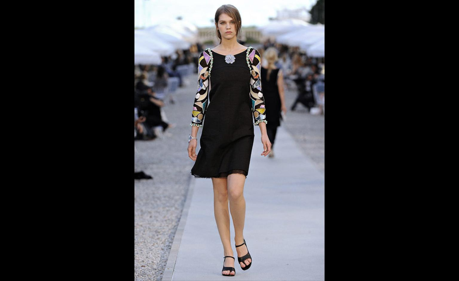 CHANEL 2011-12 Cruise Collection 8
