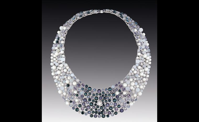 Chanel Contrastes Perle de rosée necklace with pearls, diamonds and moonstones