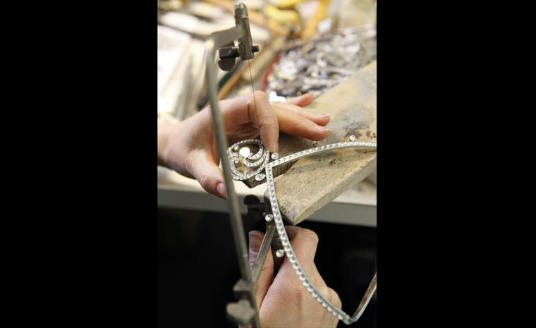 Van Cleef & Arpels: Ocean necklace tiara. Crafting of the tiara and assembly of the  jewellery motifs.