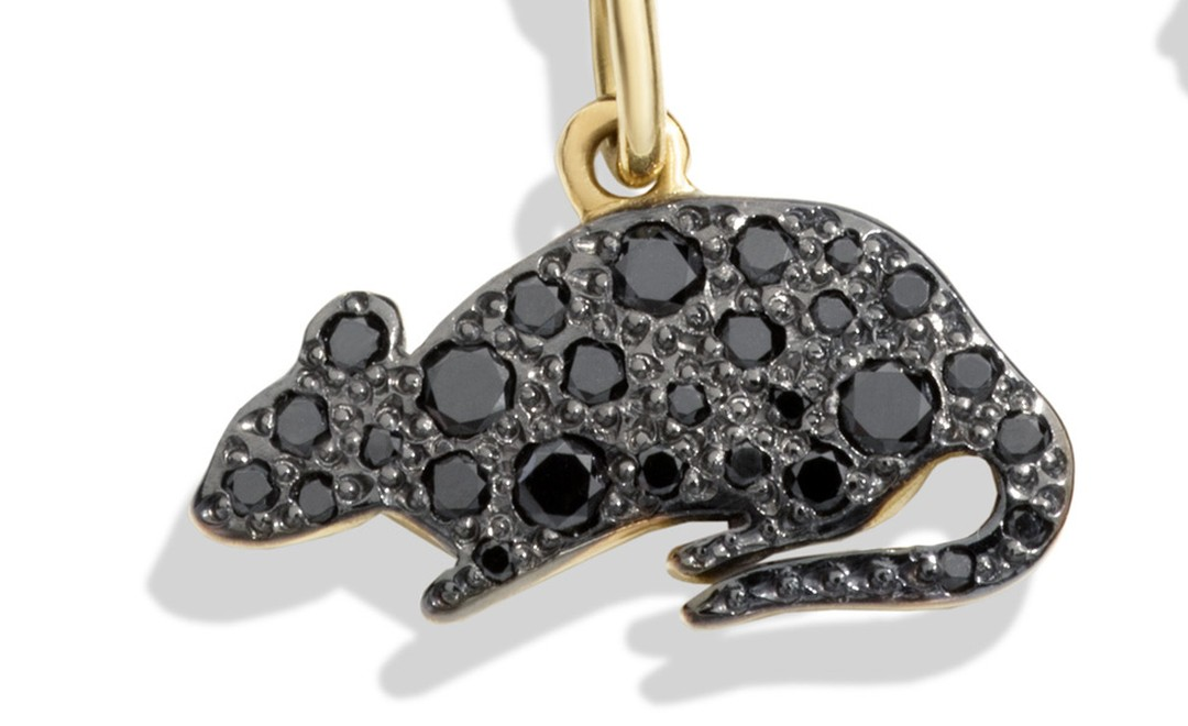 Dodo Dark rat charm that celebrates London's less glamorous residents.£760