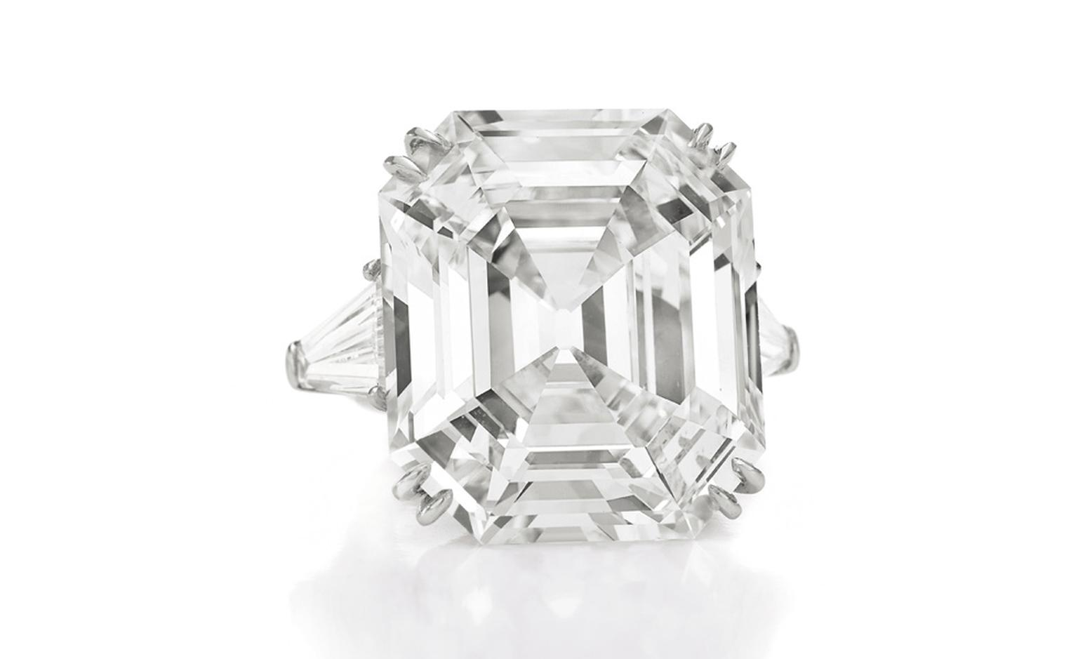 The Elizabeth Taylor Diamond, of 33.19 carats D Color, Potentially Internally Flawless Gift from Richard Burton, May 16, 1968 Estimate: $2,500,000-3,500,000