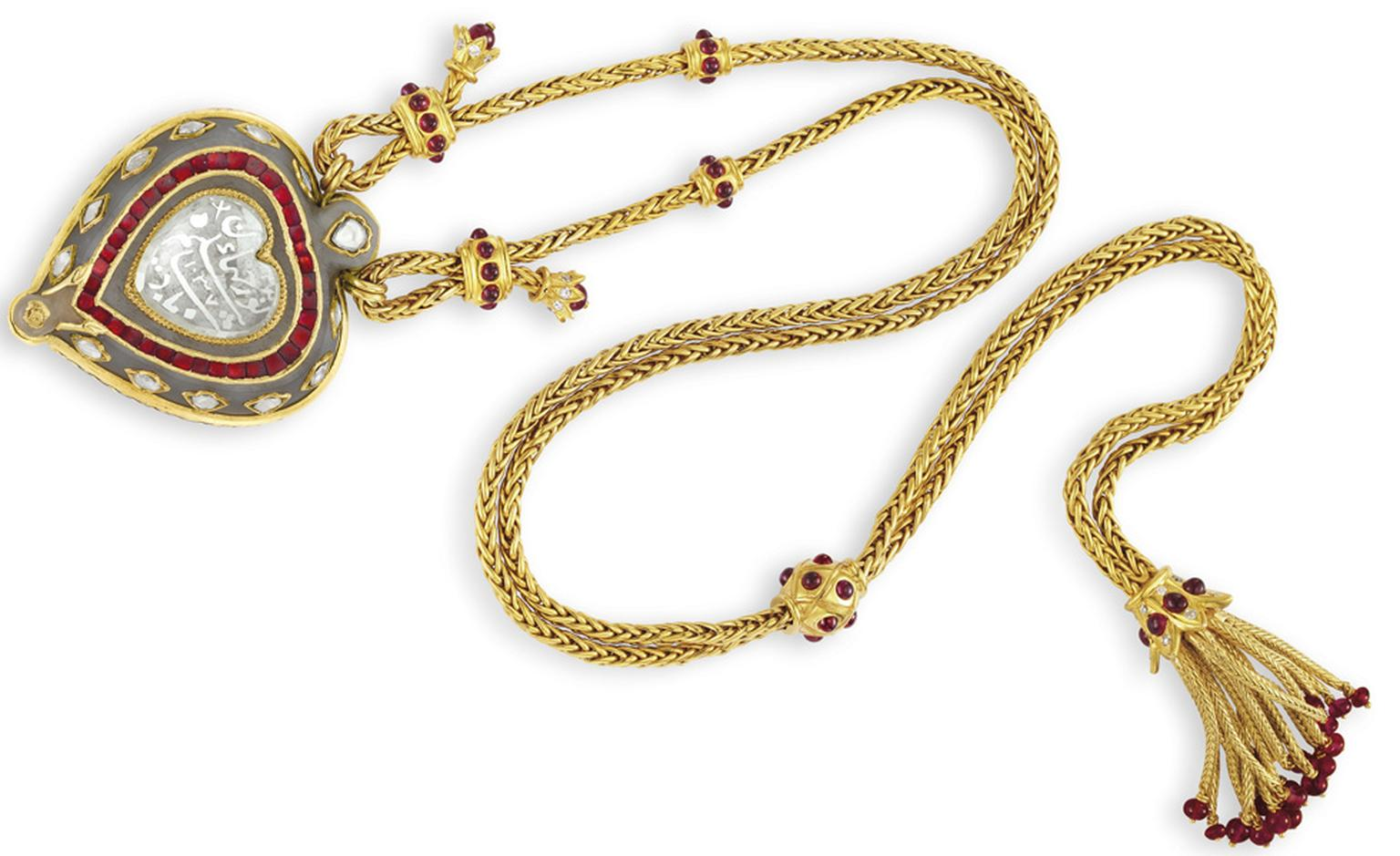 The Taj Mahal Diamond Circa 1627 – 28 Gold and Ruby Chain, by Cartier Gift from Richard Burton, for Elizabeth Taylor's 40th birthday, 1972 Estimate: $300,000 – 500,000