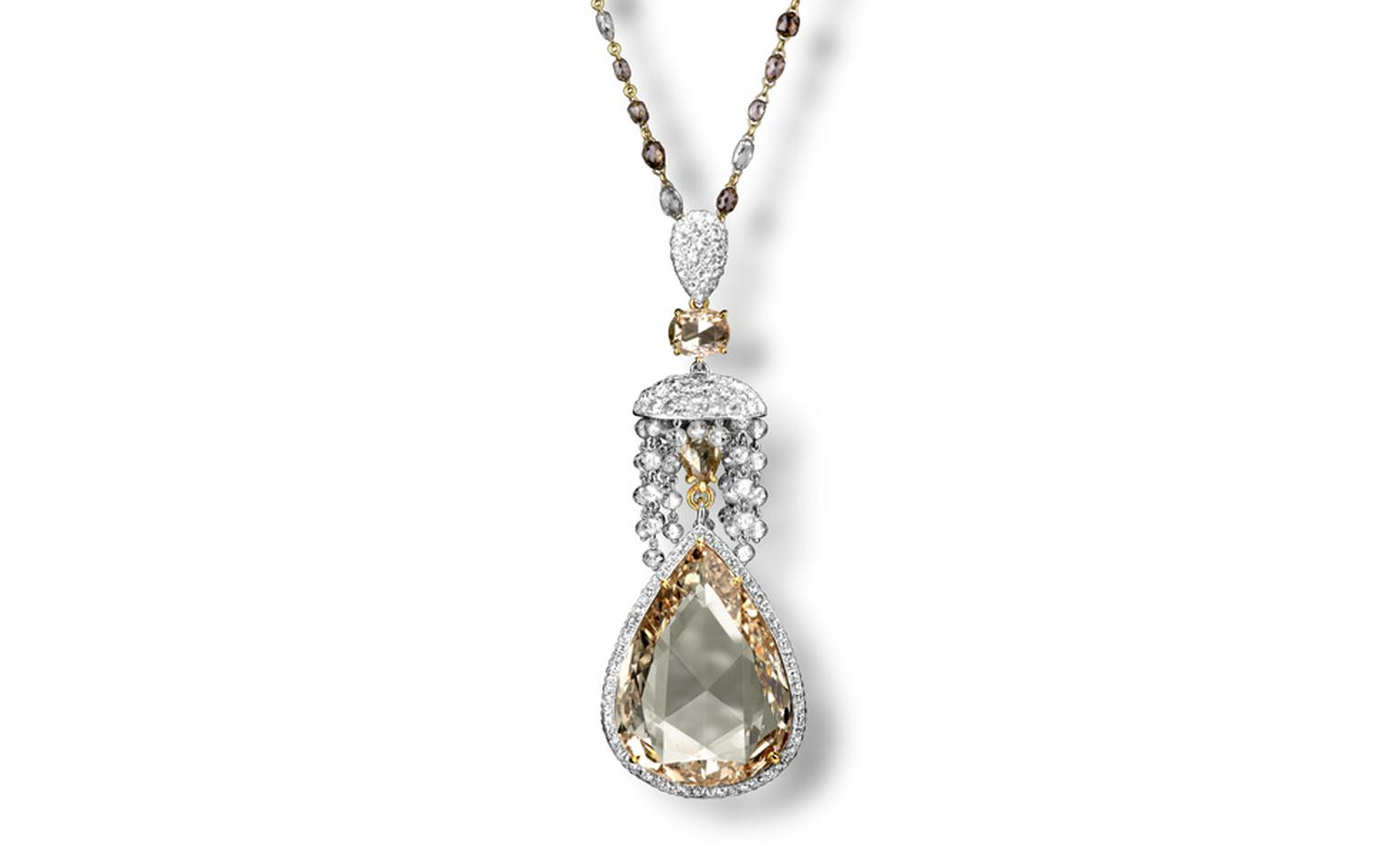 This yellow diamond teardrop pendant shows the remarkable quality of Carnet's stones.
