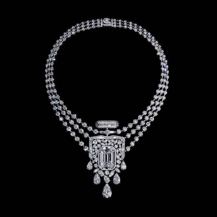 No5 high jewellery necklace by chanel