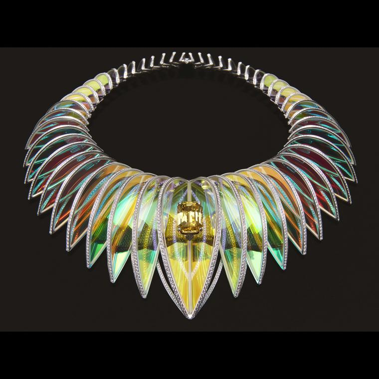 Holographique necklace Boucheron Holographique High Jewellery black bg